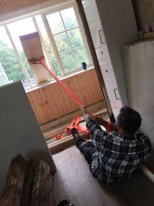 Man kan aldri være sterk nok som tømrer