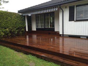 terrassegulv laget av kebony